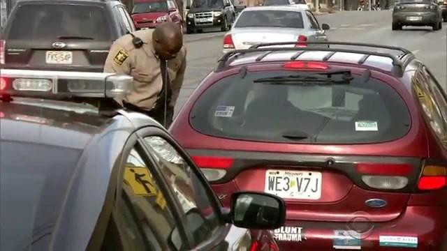 VIDEO: Kanzassitijas policisti sagādā patīkamu pārsteigumu! (Secret Santa in Kansas City – a heart-touching story)