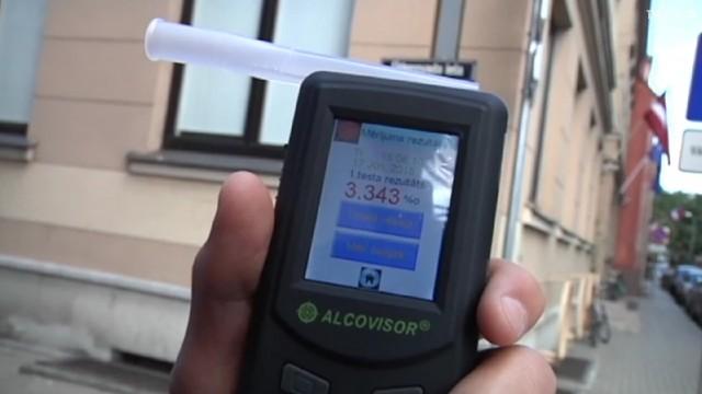 VIDEO: Bez Tabu eksperimentā pieķer Vides ministru mānāmies!