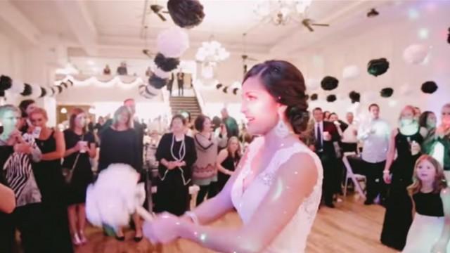 VIDEO: Viņa līgavas pušķi nemeta, bet iedeva savai māsai… kas sekoja pēc tam? (Wedding Reception Proposal!)