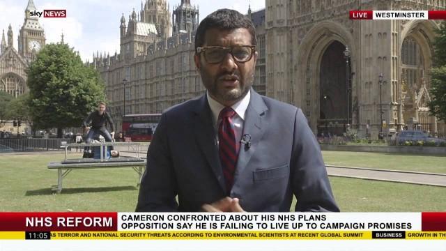 VIDEO: Iespējams labākā ziņu tiešraide, kāda redzēta.. (MUST SEE! Magicians Young & Strange Hijack Sky News!)