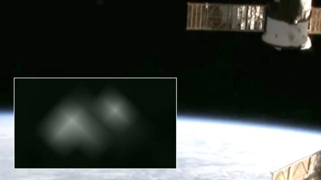 VIDEO: Vai NASA mēģina slēpt NLO video ierakstu!? (NASA Cuts Signal To ISS Just Moments After Two 'UFOs' Seen Leaving Earth!)