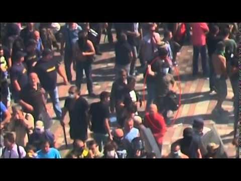 VIDEO: Slimi! Iemet granātu cilvēkos un aiziet it kā nekas nebūtu bijis. (Suspected grenade , thrower caught on camera in Kiev)