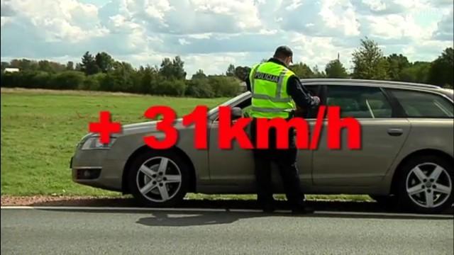 VIDEO: Latvijā Ceļu policija aizkavē vīrieti, kurš steidzas aizvest uz slimnīcu smagi cietušu bērnu!