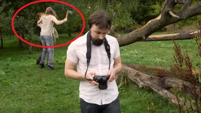 """VIDEO: Latviešu """"Kūsiņa"""" vīriešu brīvģērbu fotosesija sanākusi visai baisa…"""