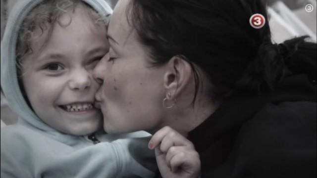 VIDEO: Ciniski! Latvijā par sievietes un bērna nāvējošu sabraukšanu, izmaksā kompensāciju – 300 eiro!