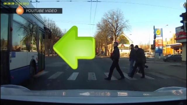 """VIDEO: """"Rīgas Satiksmes"""" darbinieki regulāri pārkāpj ceļu satiksmes noteikumus!"""