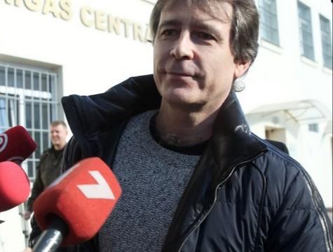 VIDEO: Bijušais LDz šefs Magone atbrīvots no apcietinājuma – tik tāds kluss un nerunīgs!