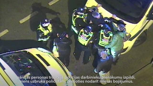 """VIDEO: Rīgas ielās kārtējais konflikts! Un kāpēc nav ieteicams """"lekties"""" ar policiju?"""