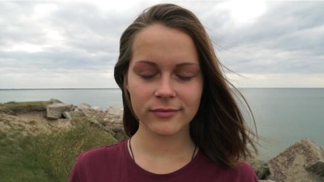 """VIDEO: Super! Vidusskolnieki Emīlija un Mārtiņš izveido īsfilmu """"Latvijai – 97""""!"""
