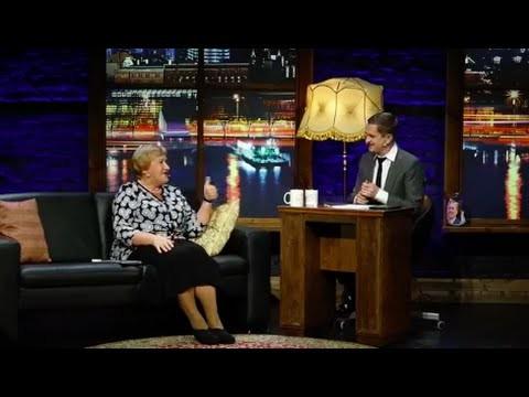 VIDEO: Jaunākais Pusnakts Šovs Septiņos. Ņemam priekšā tautas kritikas parkā un internetā. Pie Skuteļa ciemojas Silvija.
