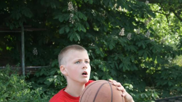 Porziņģi: kā izaudzināt basketbola zvaigzni jeb īsa pamācība basketbola mīlestībā!