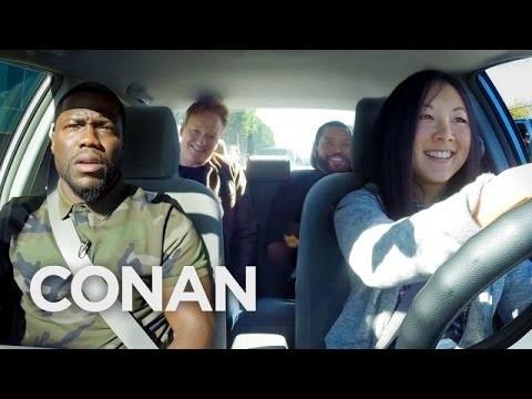 VIDEO: Nabaga meitēns! Drudžaināku auto vadīšanas apmācību grūti iedomāties!