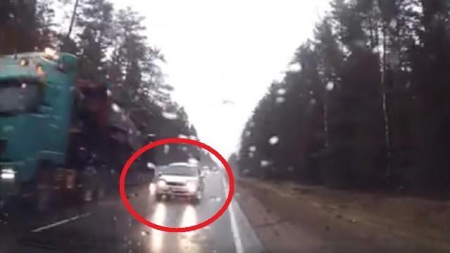 VIDEO: Tas brīdis uz Ventspils šosejas, kad visa dzīve paskrien gar acīm…