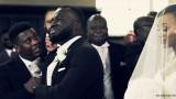 VIDEO: Aizkustinoši! Līgavainis nespēj savaldīt emocijas, kad ierauga savu mīļoto nākam pie altāra!