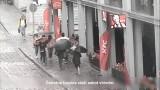 VIDEO: Vecrīgā esi uzmanīgs! Tur uzdarbojas veikla kabatzagļu banda!