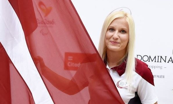 VIDEO: Paralimpiskā olimpiskā čempione šķēpmešanā latviete Diāna Dadzīte iedvesmojošā un aizkustinošā intervijā!