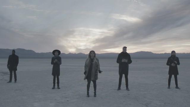 """VIDEO: Leonarda Koena radītās dziesmas """"Hallelujah"""" versija """"Pentatonix"""" gaumē gāž rekordus!"""