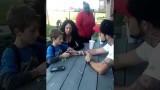 VIDEO: Tēvs paziņo dēlam, ka mamma ir mirusi. Notiekošo filmē, un video publicē internetā!