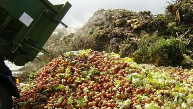 """Vai Latvija kļūs par Eiropas vecās un nocenotās pārtikas """"IZGĀZTUVI""""!?"""