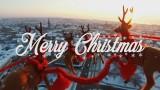 VIDEO: IESPAIDĪGI! Virs Liepājas video iemūžinātas Ziemassvētku vecīša kamanas!