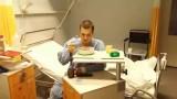 VIDEO: Prieks! Austris Augusts dalās atveseļošanās procesā pēc pārciestās operācijas!