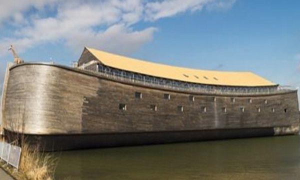 Miljonārs uzbūvēja precīzu Noasa šķirsta kopiju! Uzzini, kas atrodas tā iekšpusē!