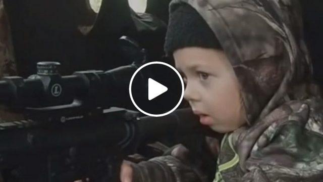 VIDEO: 7-gadīgais šāvējs – snaiperis ir atgriezies!