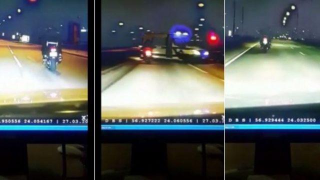 VIDEO: Šokējoša pakaļdzīšanās! Mocis ar pasažieri Rīgā mūk no policijas ar ātrumu līdz pat 170 km/h!