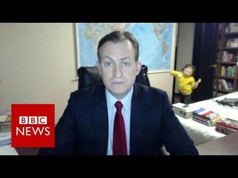 VIDEO: Cilvēkus sajūsmina BBC tiešraides laikā notiekošais profesora kabinetā!