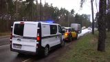 """VIDEO: Uzmanies! Tagad ceļu policisti ķer ātrumpārkāpējus arī ar """"Renault"""" busiņiem un ne tikai!"""