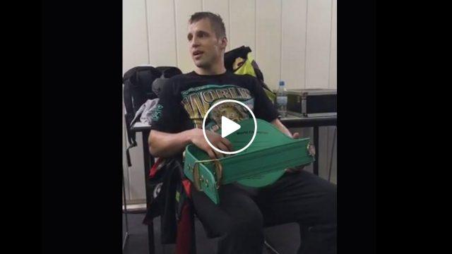 VIDEO: EKSKLUZĪVI! Ko darīja Mairis Briedis ģērbtuvēs uzreiz pēc uzvaras!?