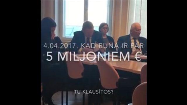 VIDEO: Lūk, ko dara Saeimas deputāts brīdī, kad pieņem lēmumu par 5 miljoniem…