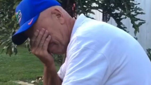 VIDEO: Tas brīdis, kad vectētiņš pirmo reizi dzīvē ierauga krāsas…