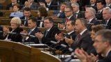 Labi dzīvojam! Šī gada tikai 4 mēnešos Saeimas deputātiem atalgojumā izmaksāts 796 781 eiro!