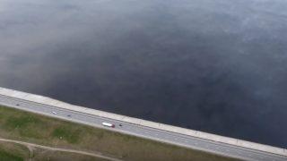 """VIDEO: IESPAIDĪGI! Latvijā pie Ķekavas video iemūžina """"pasaules malu""""!"""