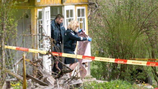 FOTO: Traģēdija Lietuvā: Dēls ar lāpstu nocirtis galvu saviem vecākiem!