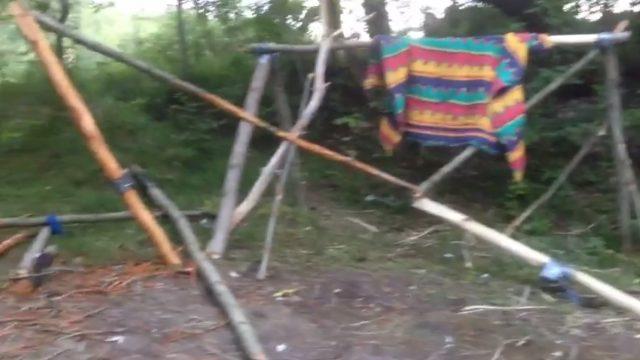 """VIDEO: Vīrietis lūdz palīdzēt ATRAST """"CŪKAS""""! Noskaties un padalies!"""