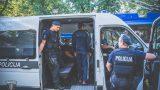 Ar līdzcilvēku atbalstu Rīgā aizturēti narkomāni, kuri centās aplaupīt 11 gadus vecu zēnu!