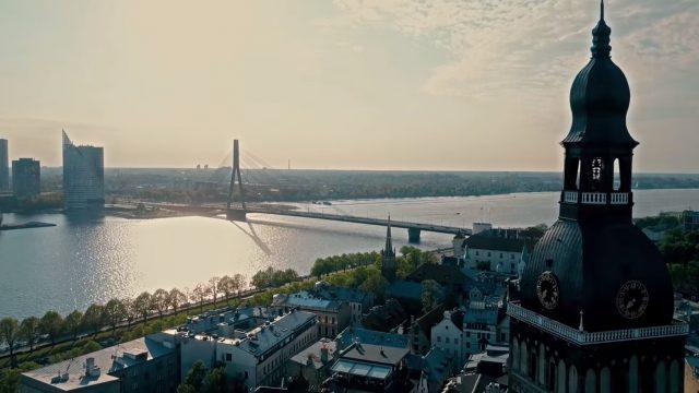 VIDEO: Lidojums ar dronu virs Rīgas! Skati vārdiem NEAPRAKSTĀMI!