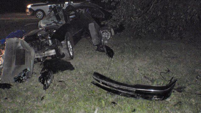 Talsu novadā autovadītājam avarējot mirst pasažieris – vainīgais metas bēgt!