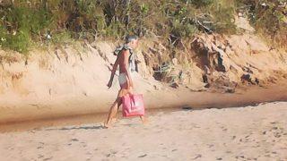 UZMANĪBU: Vīrietis Saulkrastu pludmalē izseko bērnus un aicina pieskarties viņam!