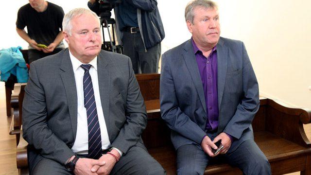 Tiesa liek Loginovam un Pečakam atmaksāt nelikumīgi iztērētos vairāk nekā 800 000 EUR!