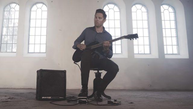 """Maģiski! Latviešu ģitārists Mārcis apbur ar savu versiju par leģendāro skaņdarbu """"Hallelujah""""!"""