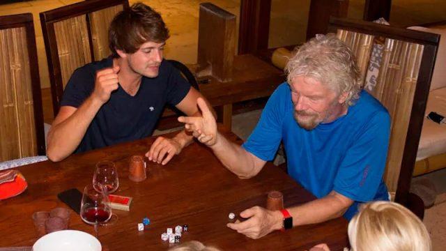 """FOTO: Miljardieris Brensons viesuļvētru """"Irma"""" nolemj sagaidīt uz salas mājas vīna pagrabā!"""