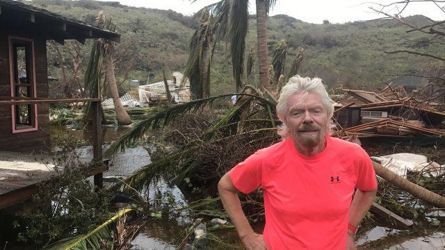 """VIDEO: Miljardieris Ričards Brensons atrāda """"Irmas"""" postījumus uz savas privātās salas!"""