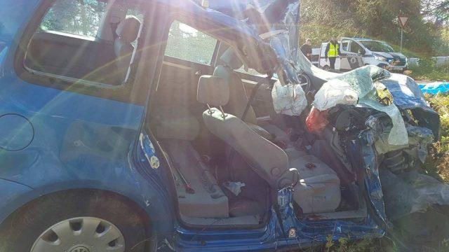 FOTO: Valsts policija ziņo par smagu avāriju uz Valmiera-Rūjiena ceļa ar vienu bojāgājušo.