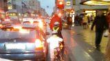 VIDEO: Ārprāts! Lūk, cik bīstami bērniem un pieaugušajiem ir braukt ar riteni pa Barona ielu!