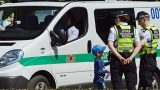 Bērns neierodas skolā – policija dodas uz viņa mājām – tur pārdzērušies vecāki 3 promiļu reibumā!