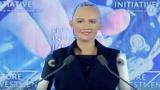 VIDEO: Iespaidīgi! Intervija ar pievilcīgo Sofiju, kas patiesībā ir… robots!