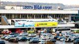 Tiesa lemj: Piestāšanai pie lidostas jābūt bezmaksas! 1,50 eiro iekasēt NEDRĪKST!